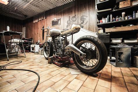 d 233 co maison moto
