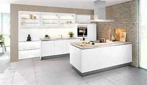 Küchen Weiß Hochglanz : trend einbauk che arosa grifflos weiss hochglanz k chen quelle ~ Markanthonyermac.com Haus und Dekorationen