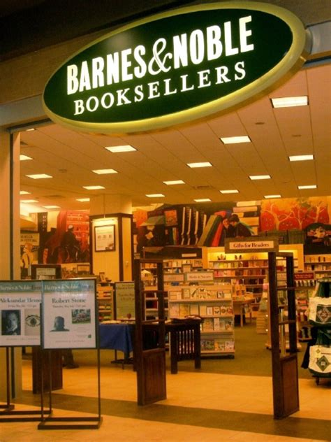 barnes and noble books how many barnes and nobles stores are there in the united