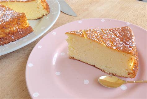 la recette d 233 licieuse du g 226 teau au fromage blanc top astuces