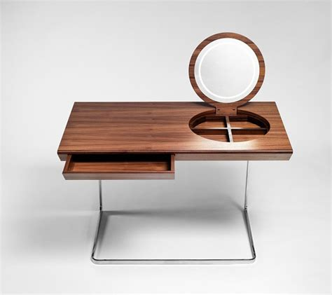 dressing table with lighted mirror captivatist