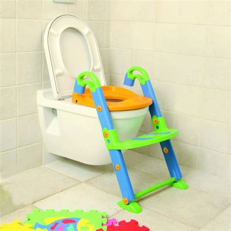 Potty Chairs For Toddlers by Kid On Toilet Images Usseek