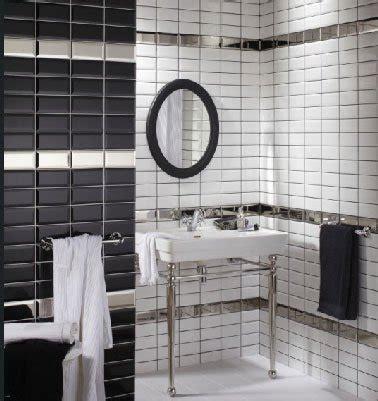 carrelage de salle de bain noir et blanc