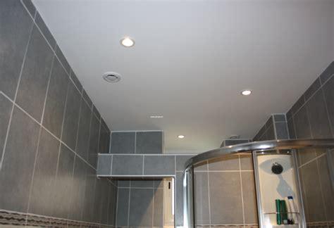 quel faux plafond pour salle de bain choisir faux plafond net