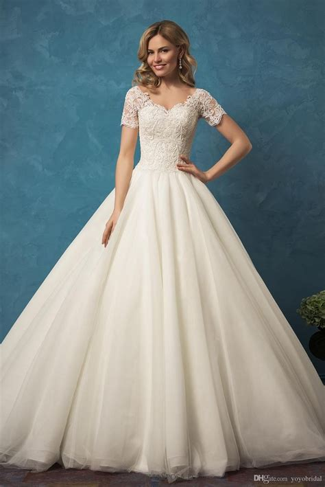 Best 25+ Designer Wedding Gowns Ideas On Pinterest. Wedding Guest Dresses Bloomingdales. Red A Line Wedding Dresses. Informal Wedding Dresses For The Mature Bride. Tulle Wedding Dress With Beading. Wedding Dress Style Categories. Beach Wedding Dresses The Knot. Mermaid Wedding Dresses Leicester. Wedding Dress Style Picker