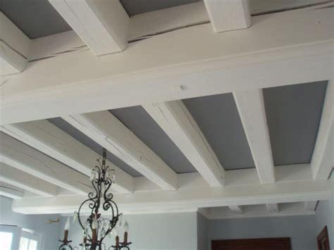 peinture pour poutre en bois 1 les 25 meilleures id233es concernant poutres au plafond kirafes