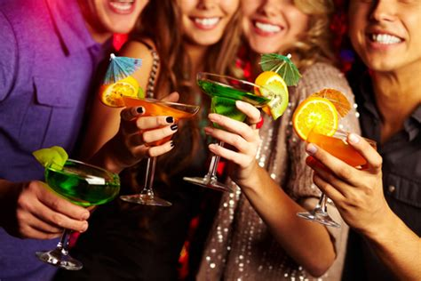 Secrets To Throwing A Frugal Cocktail Party