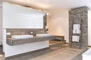 Wandbilder Für Badezimmer : die besten 25 badezimmer naturstein ideen auf pinterest badezimmer braun wandbilder xxl und ~ Markanthonyermac.com Haus und Dekorationen