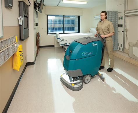 tennant t300 and t300e walk floor scrubbers 2