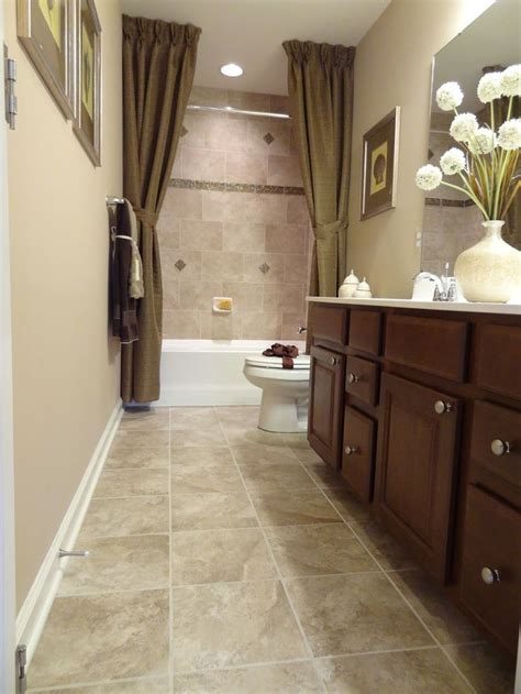 25 best ideas about narrow bathroom on narrow bathroom small narrow bathroom
