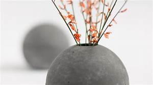Beton Vase Selber Machen : kleine vasen ganz gro ~ Markanthonyermac.com Haus und Dekorationen