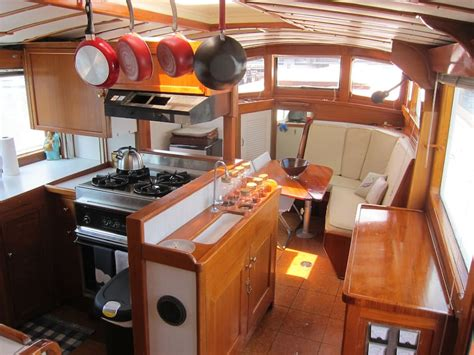 Party Boat Rentals Ri by Houseboat Yacht Rental Providence Boats For Rent In