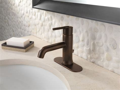 faucet 559lf ssmpu in brilliance stainless by delta