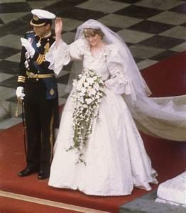 The Original Sketch for Princess Diana's Wedding Dress Was ...