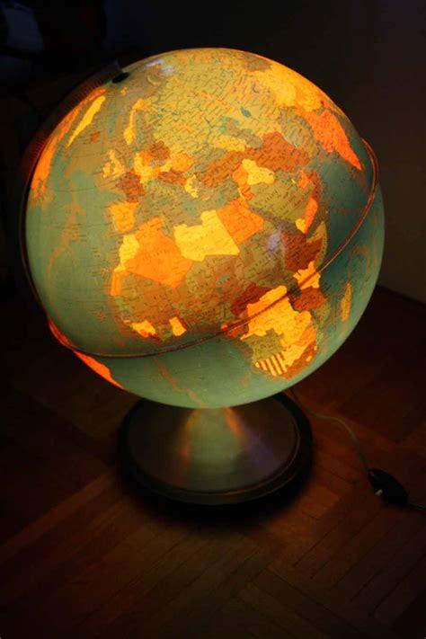 je chine pas en chine globe terrestre lumineux