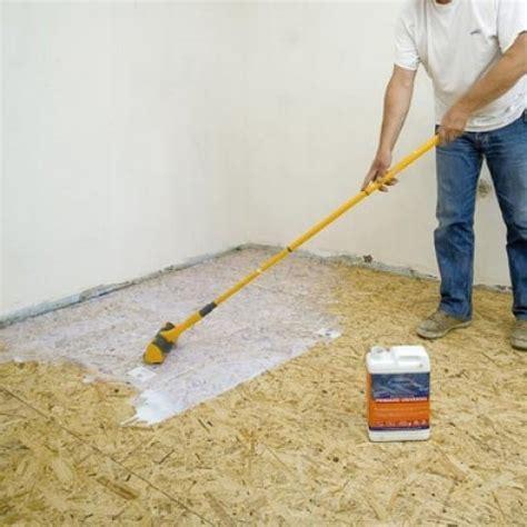 pose de carrelage au sol sur un plancher de panneaux de particules maisonbrico