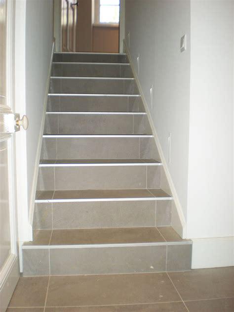recouvrir un escalier en carrelage maison design mail lockay
