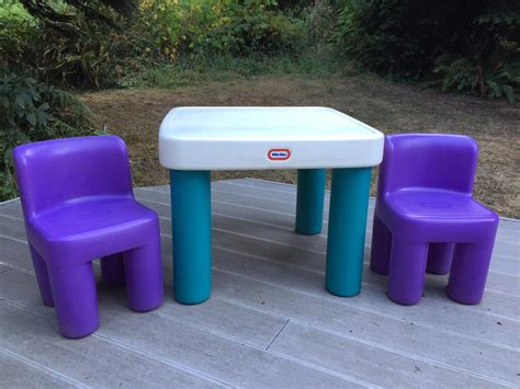 tikes table chairs saanich sidney