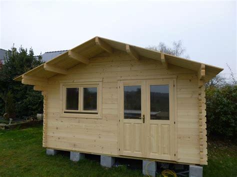 wandgestaltung wohnzimmer chalet habitable de loisirs 40m2 en bois en kit sans mezzanine
