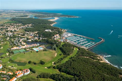 golf blue green port bourgenay nature activities talmont hilaire vendee tourism