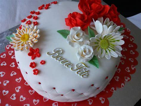 g 226 teau d anniversaire en p 226 te 224 sucre cuisinestyle