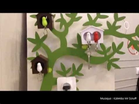 objet insolite design porte cles mural design oiseau cabane sparrow key ring qualy design