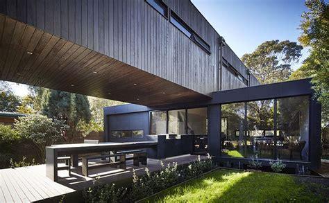 maison contemporaine bois et porte 224 faux construire tendance