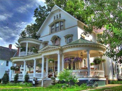 House design styles, beautiful victorian style house
