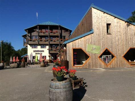 piste de ski derri 232 re l hotel photo de hotel le grand chalet foncine le haut tripadvisor