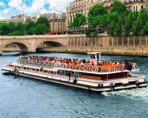 Boat Tour Paris Seine by Paris Boat Tours Seine River Tour
