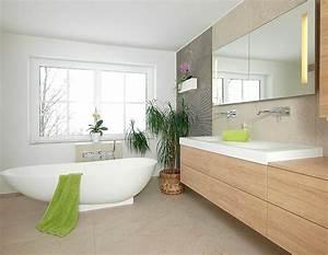Bad Fliesen Gestaltung : badezimmer dusche badewanne waschbecken fliesen badezimmer mayr ~ Markanthonyermac.com Haus und Dekorationen