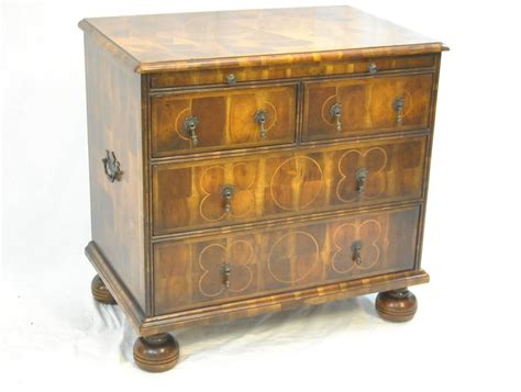 Theodore Alexander Oyster Walnut Inlaid Four-drawer Bachelor's Chest For Sale At 1stdibs Anterior Drawer Ankle Special Test Cash Driver Box 2 Dresser With Mirror Single Console Tables Hafele Telescopic Runners Blumotion Slides 563h Kraftmaid Drawers Remove Samsung Refrigerator