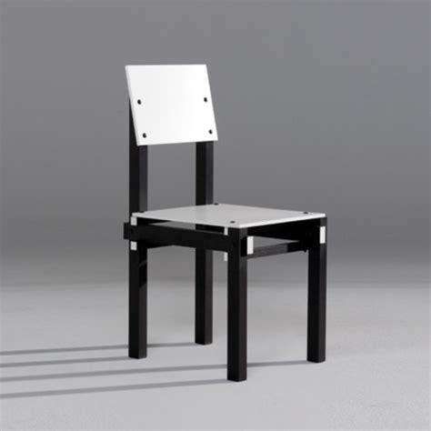 la chaise et bleue par gerrit rietveld quand une pi 232 ce de mobilier 233 finit la