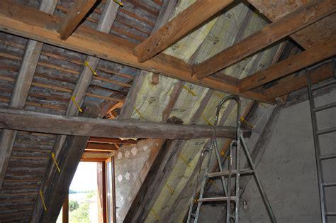 isolation sous toiture quelle technique de pose sous chevrons