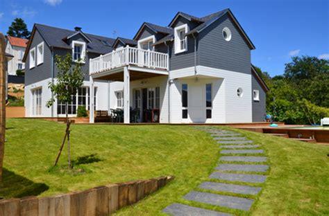maison bois style etats unis jeu toit et bois