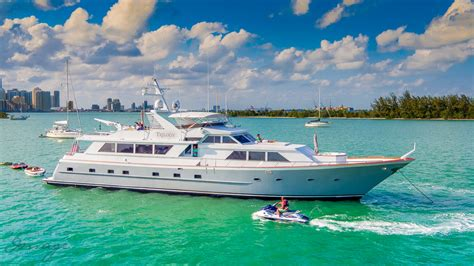 Party Boat Miami Price by Yatchs In Miami Miami Boat Rental And Charters Party