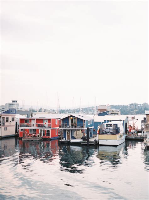 House Boat Victoria by Houseboats In Victoria British Columbia Entouriste