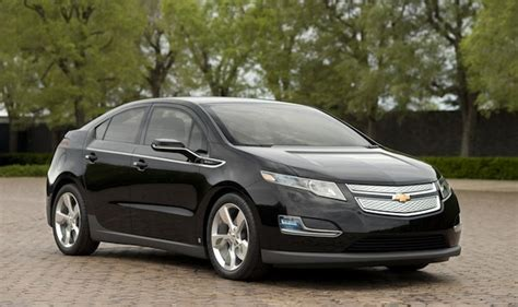 2014 chevrolet volt orders start late may two new colors announced inside evs