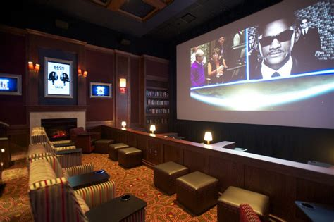 big chains squeeze cinetopia the columbian