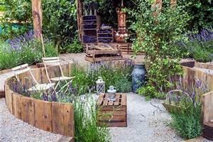 Paletten Möbel Garten : palettenm bel selber bauen tipps und inspiration ~ Markanthonyermac.com Haus und Dekorationen