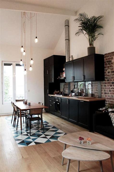 cuisine et bois mur briques maison puces de ouen studio riccardo haiat home