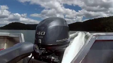 Yamaha Outboard Motor Videos by Yamaha 40hp Fourstoke Outboard Motor Wot Smooth Water