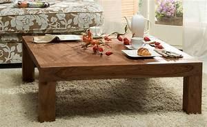 Couchtisch Truhe Holz : den richtigen massivholz couchtisch finden ~ Markanthonyermac.com Haus und Dekorationen