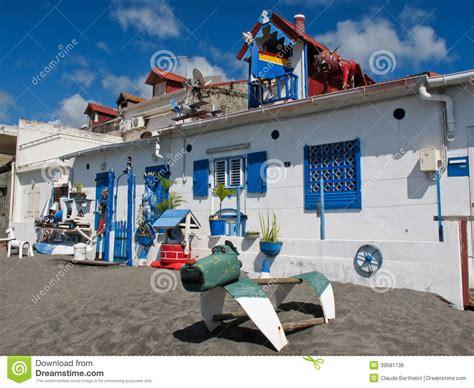 de maison bien d 233 cor 233 e artistique et 233 trange sur la plage photo stock image 39581736