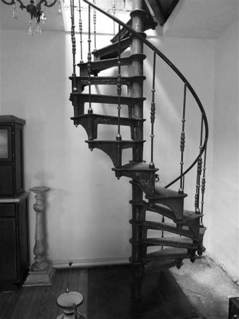 escalier colimacon en fonte style industriel 9 232 me ardt 75009 mat 233 riel pas cher d