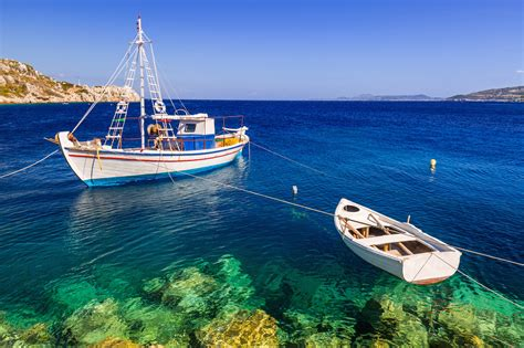 Sailing On Greece by Greek Island Sailing Reasons To Charter With Captain