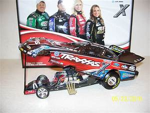 DIE CAST RACING COLLECTABLES - Drag Cars
