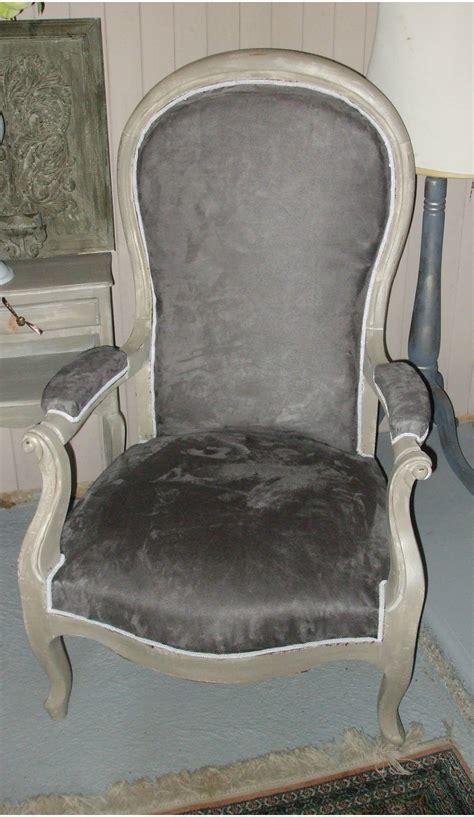 fauteuil voltaire patin 233 gris vendue photo de les meubles la mandragore et le pass 233 revisit 233