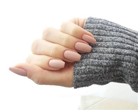 Fall/ Winter Nail-color Trends You Have To Try Right Away