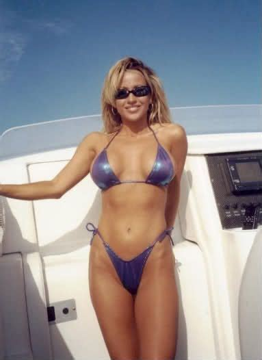 Hot Women On Boats by The Hot Girls With Boats Hot Girls Pinterest Bass